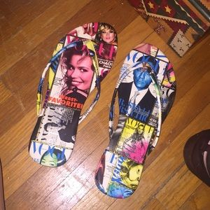 Shoes - Vogue flip flops